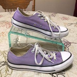 Converse Shoes Size 7.5